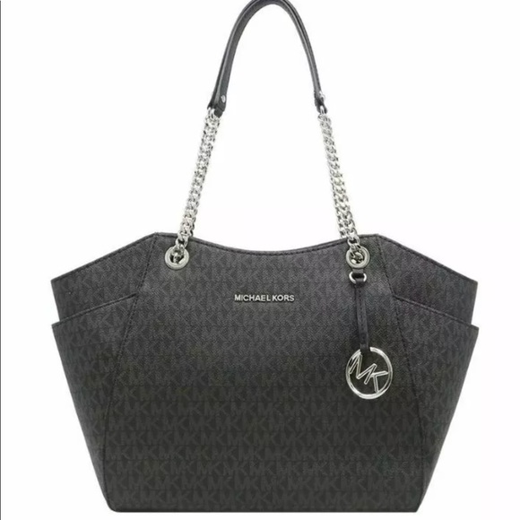Michael Kors Handbags - Michael Kors Jet Set Travel LG Chain Shoulder bag